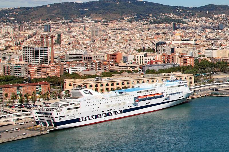 Port barcelona ferries for Oficinas balearia